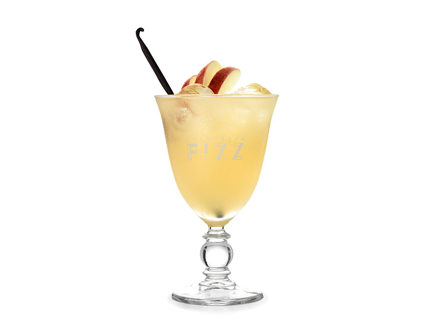 Cointreau cocktail Vanilla and Apple Fizz